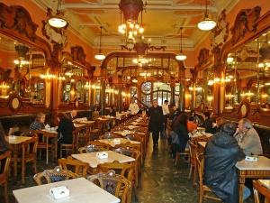 portugal-porto-cafe-majesti