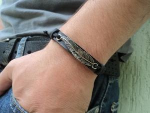 pulseira-masculina-folha-preta-couro