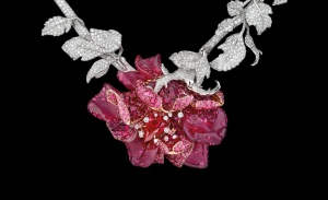 DE%20MAI%20NECKLACE%20WHITE%20AND%20YELLOW%20GOLD,%20DIAMONDS,%20FANCY%20BROWN%20DIAMOND,%20FANCY%20PINK,%20LILAC%20AND%20MAUVE%20DIAMONDS,%20PINK%20OPAL%20A