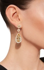 large_jamie-wolf-gold-graduated-scallop-edge-drop-earring