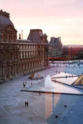 16997973_571083186422330_2847609964591926839_nThe Louvre