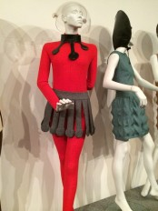 14_suzy_menkes_pierre_cardin_outfits_from_1968