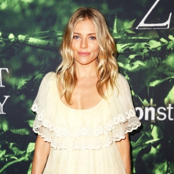 HOLLYWOOD, CA - APRIL 05: Actor Sienna Miller attends the premiere of Amazon Studios' 'The Lost City Of Z' at ArcLight Hollywood on April 5, 2017 in Hollywood, California. (Photo by Rich Fury/Getty Images)