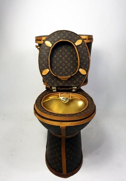 00-story-lv-toilet