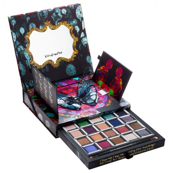 Urban-Decay-Alice-Through-Looking-Glass-Eyeshadow-Palette-e1464620051297