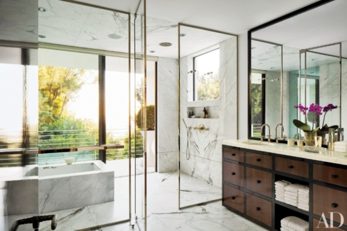 shower-ad-768x512