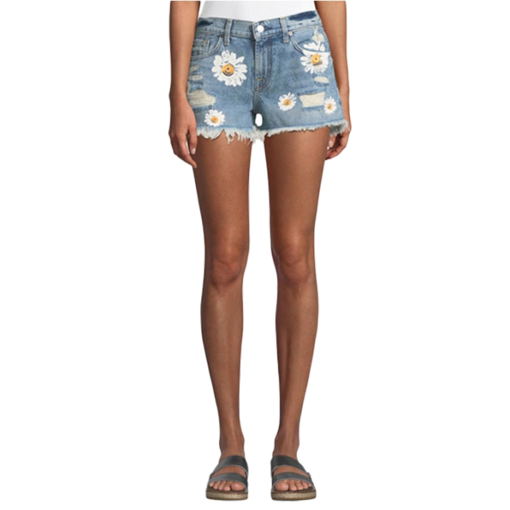 7-for-all-man-kind-cutoff-denim-shorts-w-detroy-and-daisies-800