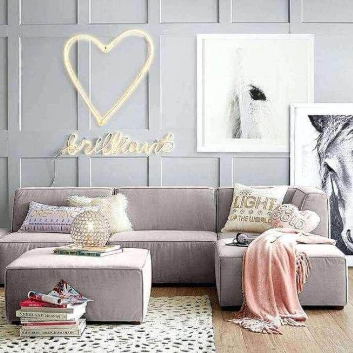 sofás-modernos-e-confortáveil-para-decoração-de-sala-em-tons-de-cinza-Foto-Mumbly-World
